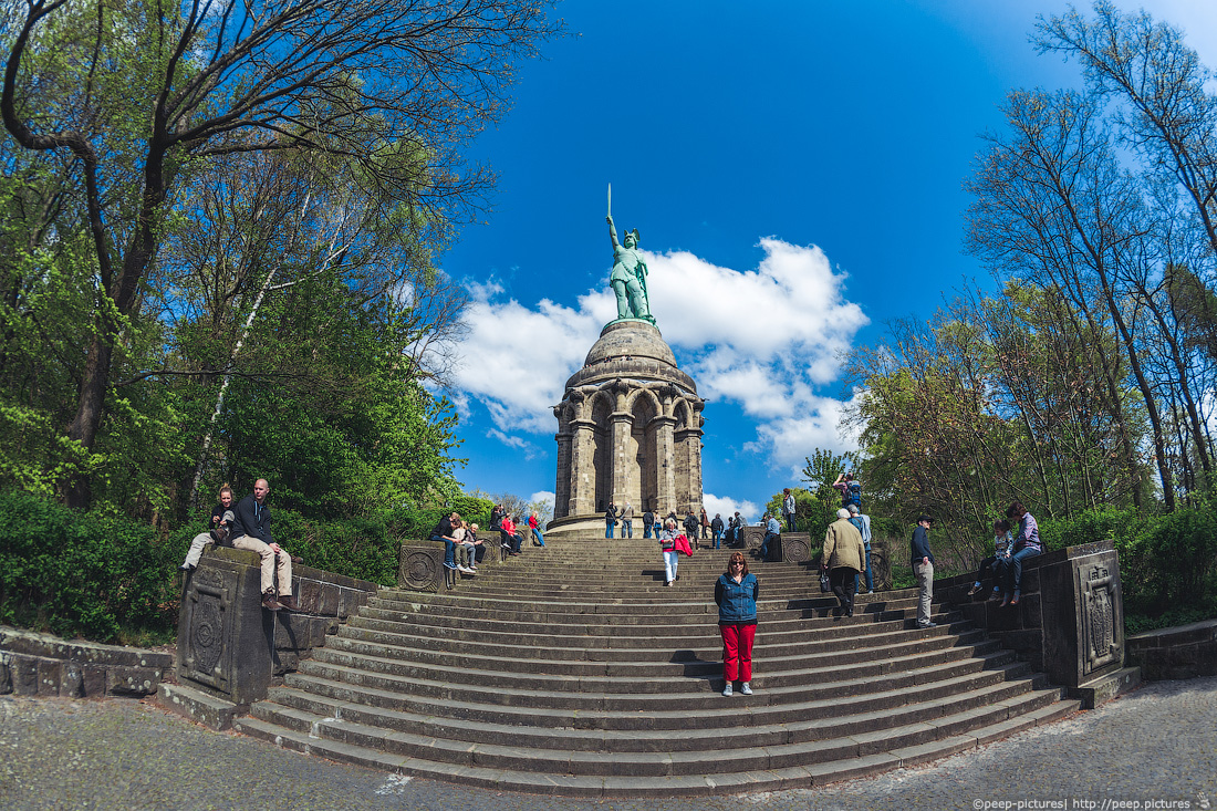 https://img.ewelt.org/pics/upashi/Germany/2014/Detmold/2014-04-20_144012_6D_5150.jpg