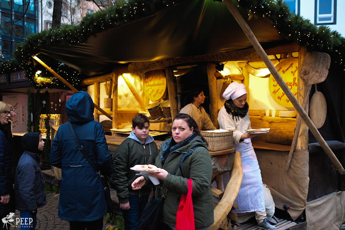 https://img.ewelt.org/pics/upashi/Germany/2017/Weihnachtsmarkt/Cologne/20171205_161339_X-T2_9879.jpg