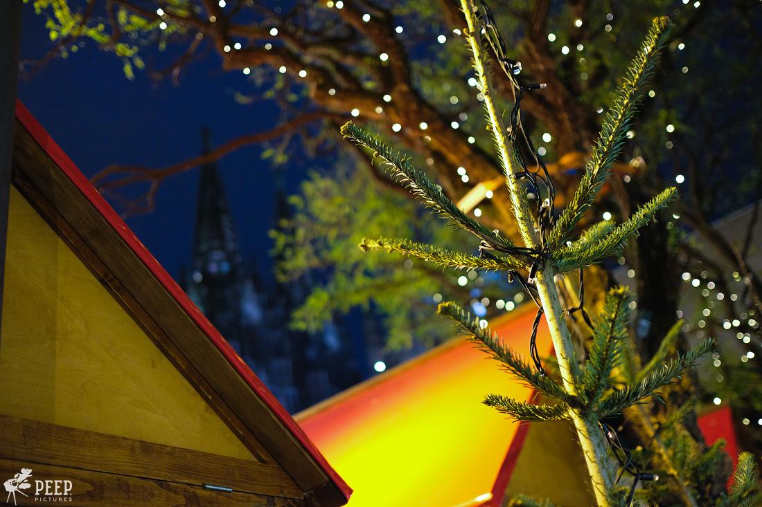 https://img.ewelt.org/pics/upashi/Germany/2017/Weihnachtsmarkt/Cologne/20171205_181236_X-T2_9948.jpg