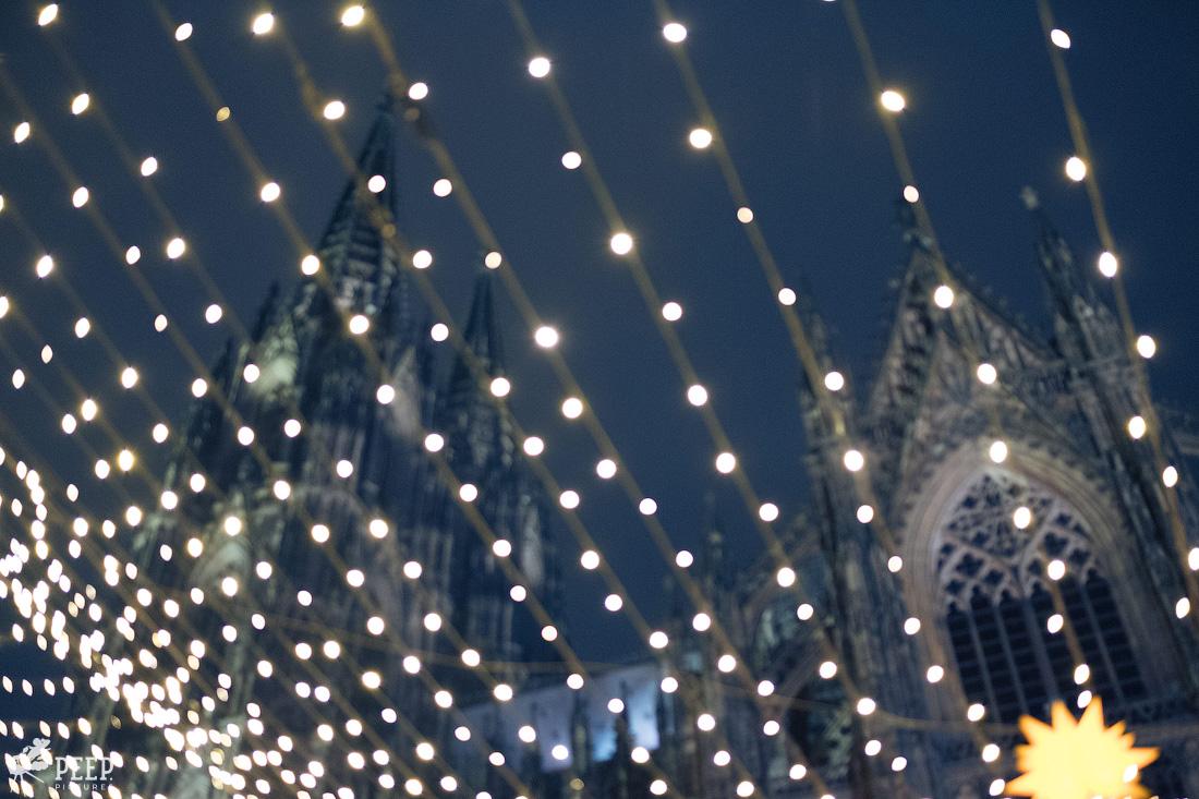 https://img.ewelt.org/pics/upashi/Germany/2017/Weihnachtsmarkt/Cologne/20171205_181916_X-T2_9966.jpg