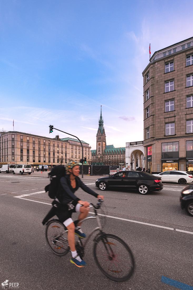 https://img.ewelt.org/pics/upashi/Germany/2018/Hamburg/20180417_195725_X-H1_5042.jpg