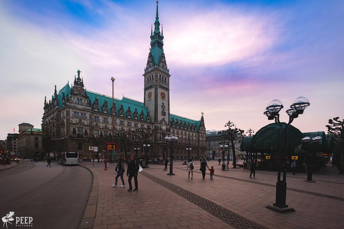 https://img.ewelt.org/pics/upashi/Germany/2018/Hamburg/20180417_200855_X-H1_5078.jpg
