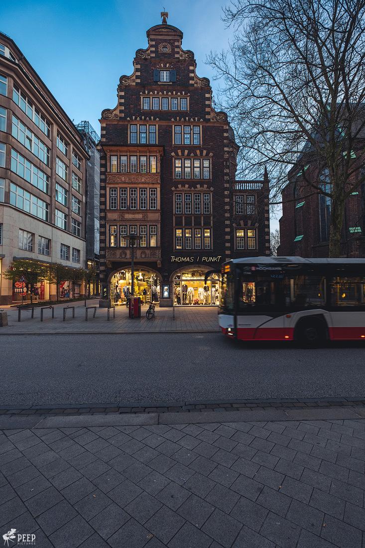 https://img.ewelt.org/pics/upashi/Germany/2018/Hamburg/20180417_201251_X-H1_5082.jpg