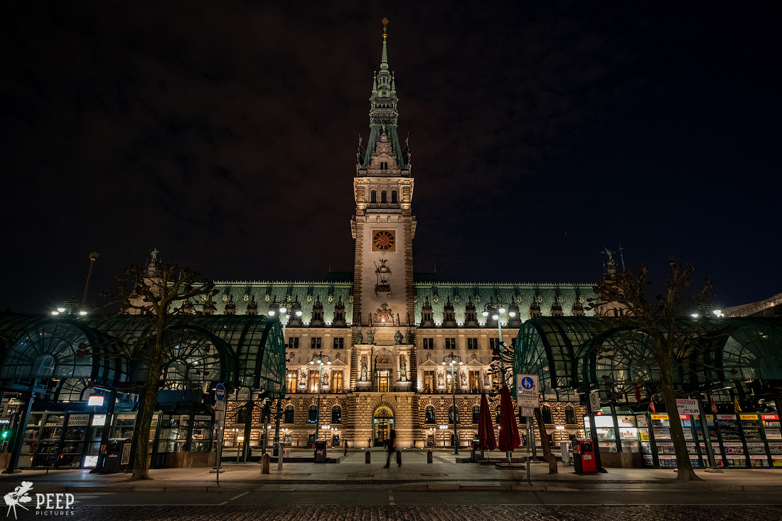 https://img.ewelt.org/pics/upashi/Germany/2018/Hamburg/20180417_214205_X-H1_5115.jpg