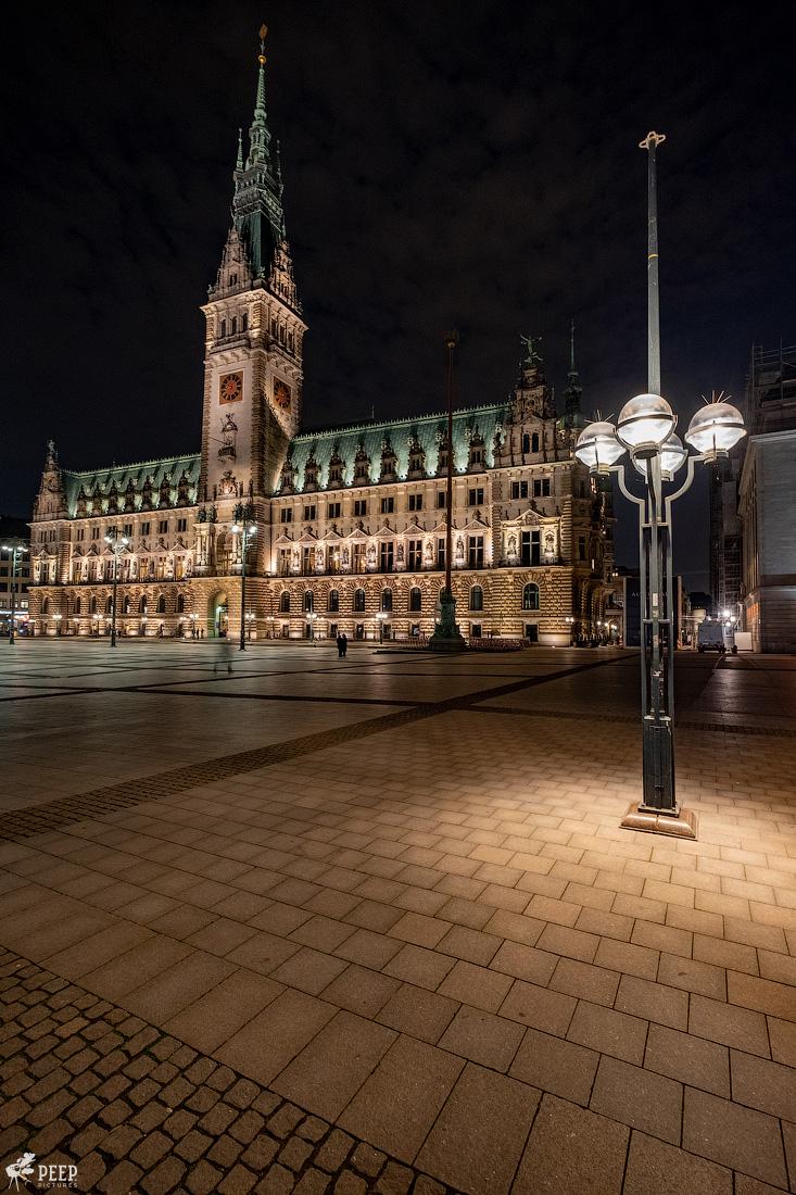 https://img.ewelt.org/pics/upashi/Germany/2018/Hamburg/20180417_214358_X-H1_5123.jpg