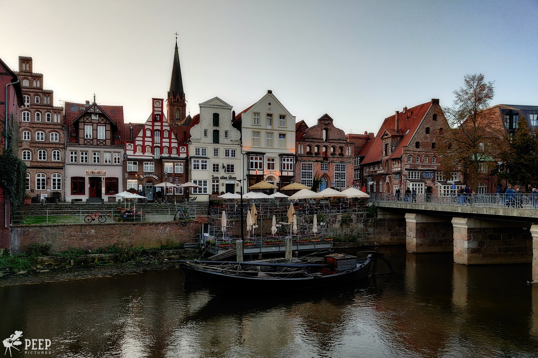 https://img.ewelt.org/pics/upashi/Germany/2019/Luneburg/20191027_162833-Edit.jpg