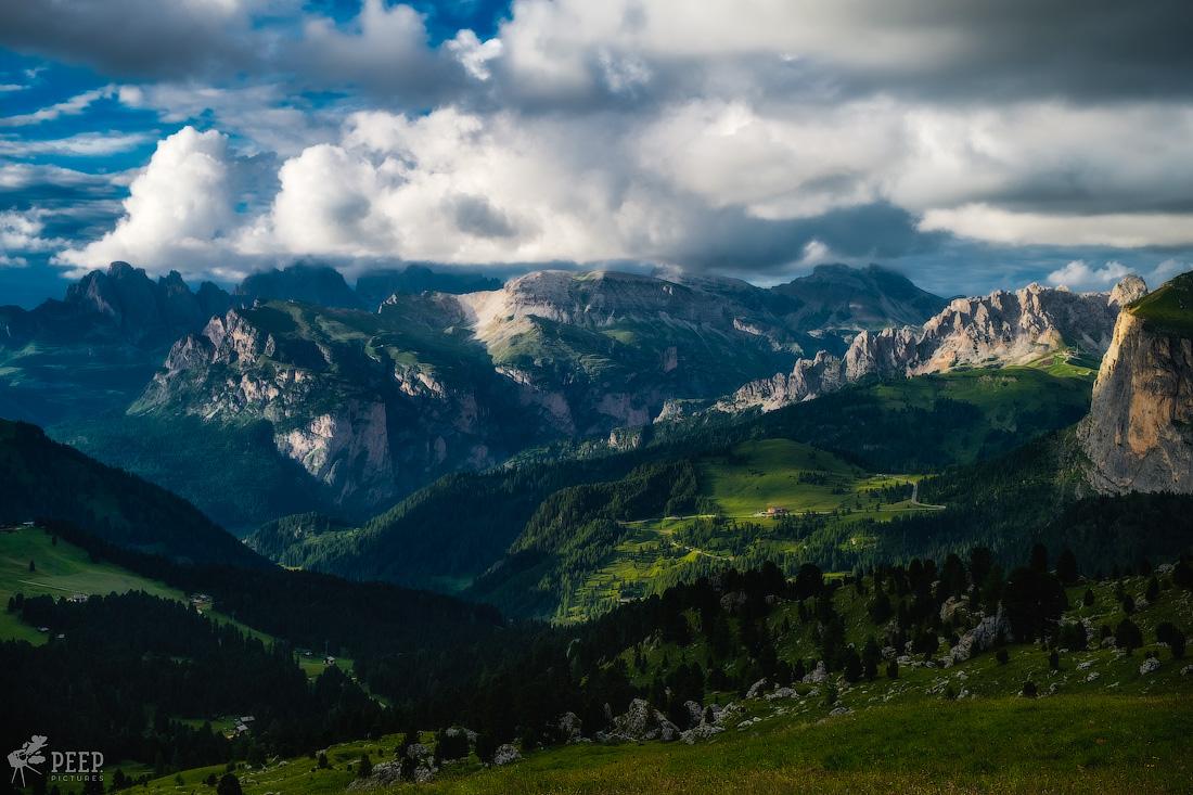 https://img.ewelt.org/pics/upashi/Italy/2016/Dolomites/Wolkenstein/20160803_191124_Pro2_9280-HDR-Edit.jpg